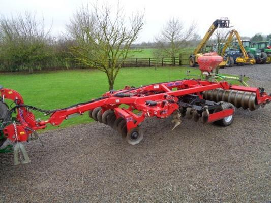 SUMO Used Trailed  Trio 3 C/w Rape Seeder SDO Disc