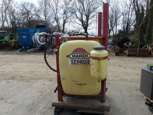 Hardi  1000 LITRE FRONT MOUNTED TANK