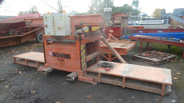 Downs box tipler with lid