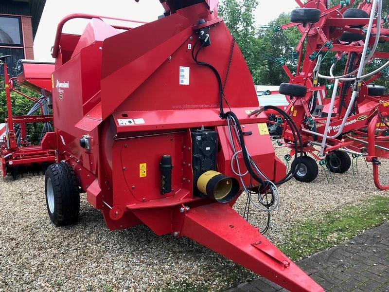 BALE KVERNELAND Trailed Shredder