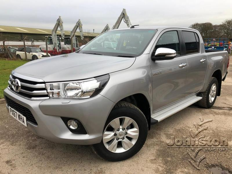 Toyota HILUX Icon Double Cab Pickup